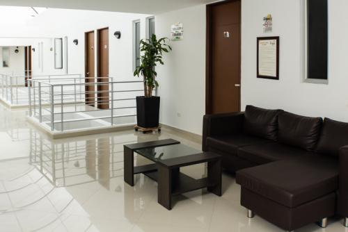 Sala-de-estar-en-piso